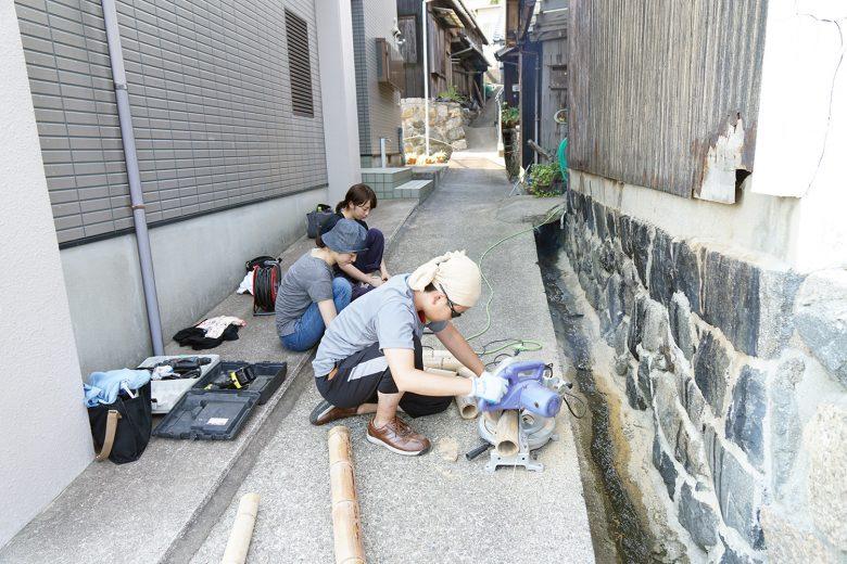 竹キャンドルの作成風景