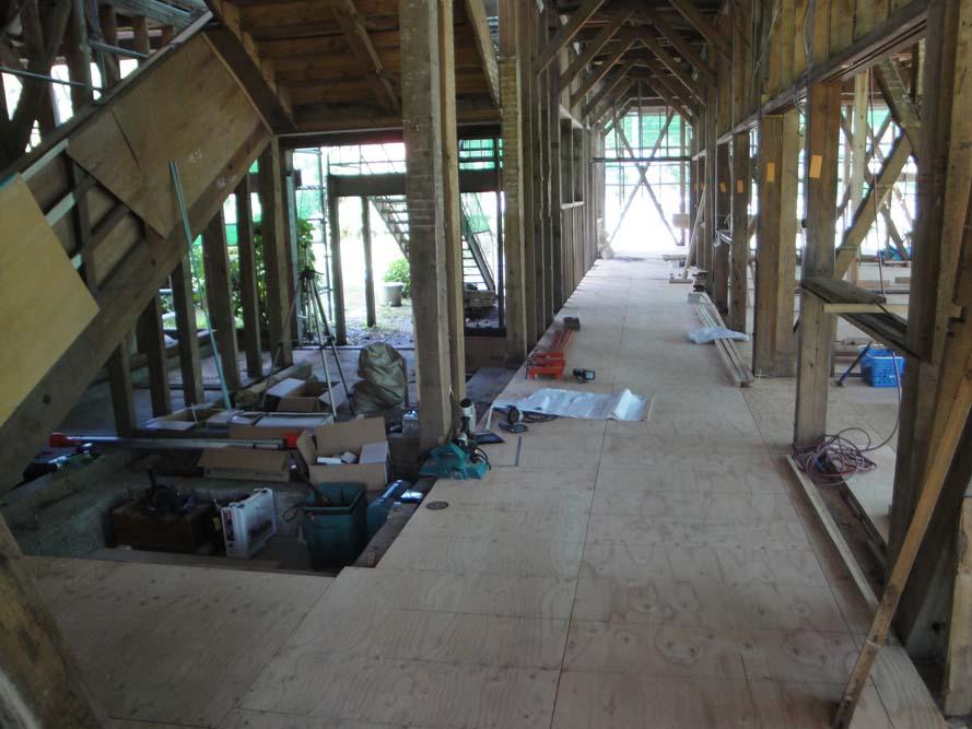 20100901-体験工房前1F廊下.JPG